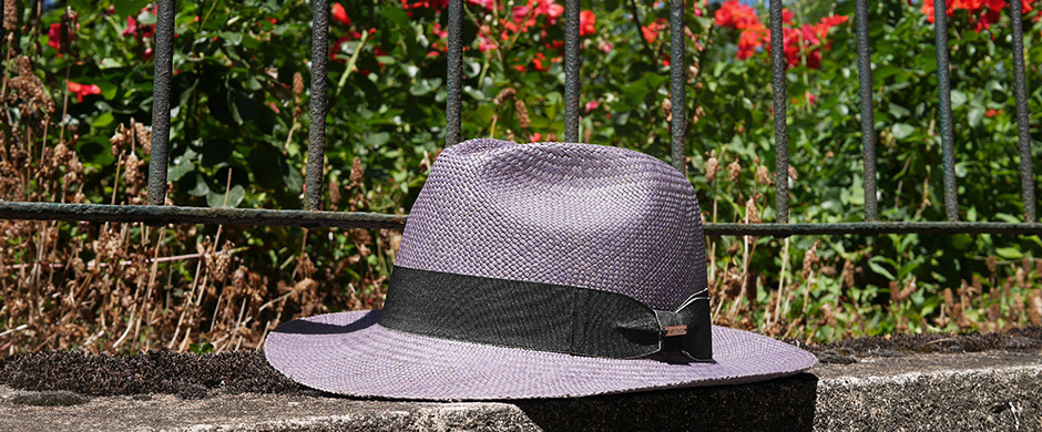 ff73d76f The panama brisa is a low-end cross-woven hat. Its straw, which diameter is  thicker, is woven to form small squares. A craftsman needs to work at least  3 ...