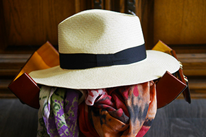 70da81fb2 The different qualities of the weaving of panama hats